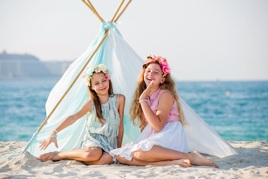 Kids on the beach photo session in Dubai