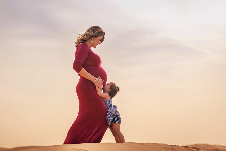 Mother to be desert photo shoot in UAE